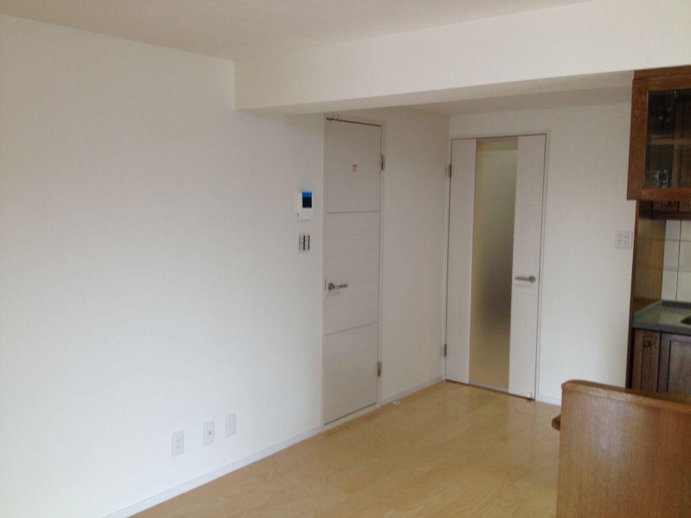 室内ドア、天井、キッチン収納 ...