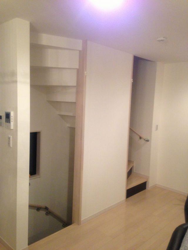 リビング 階段 扉
