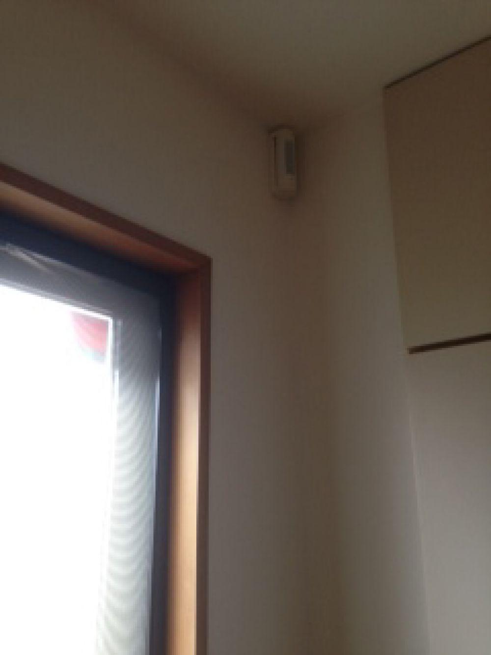 賃貸住宅にカーテンレールを取り付けしたい(世田谷区) リフォームの