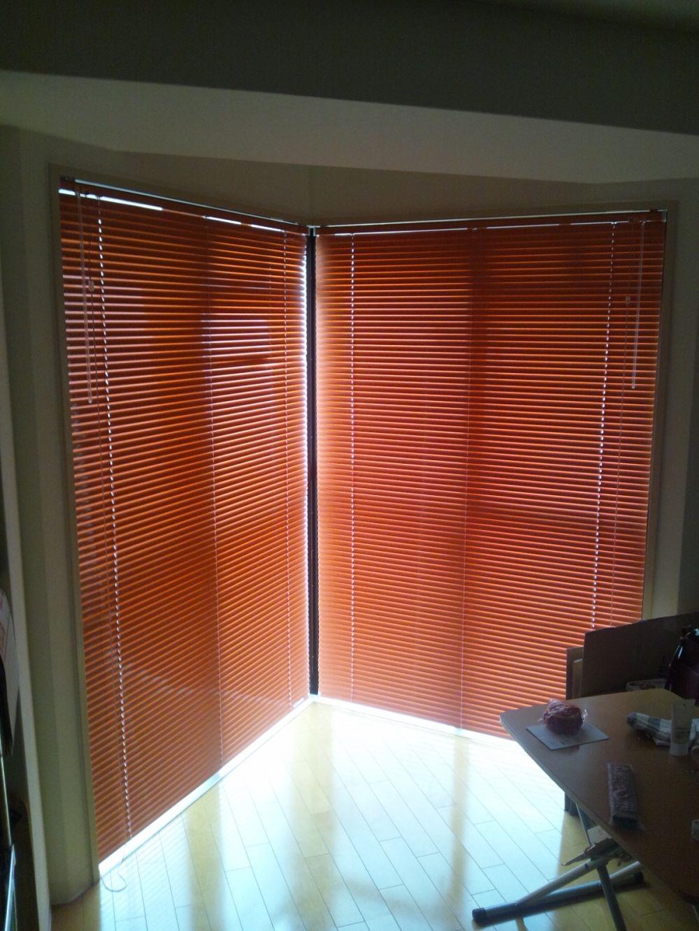 ベランダの窓にカーテンレールを取り付けたい リフォームのことなら家