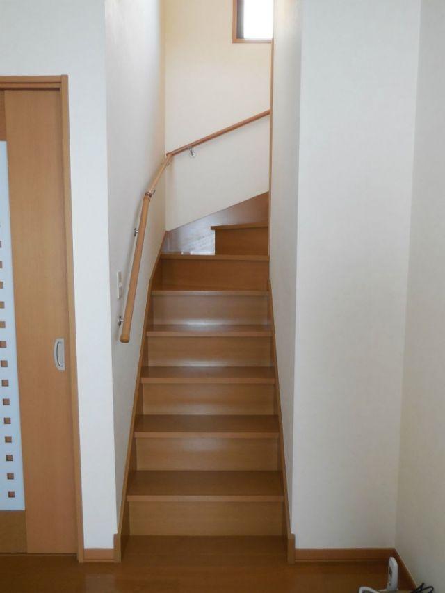 扉 リビング 階段