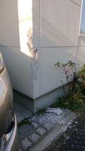 「戸建ての外壁を車でこすってしまい、修理したいです」についての画像