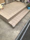 「玄関ポーチの階段の隅切り」についての画像