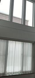 「吹き抜けの窓にフィルムを貼りたい」についての画像