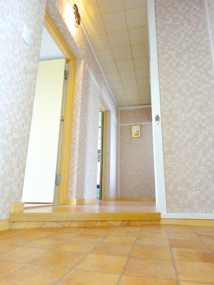 玄関、廊下に施工した例